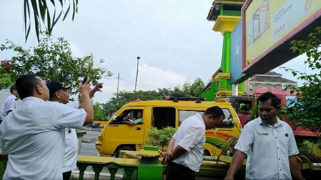 Wakil Walikota Tinjau Batas Kota di Kampung Lalang